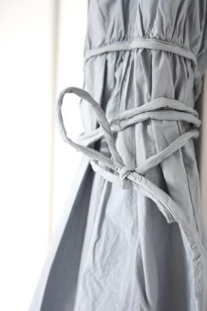 sovrum och klänning