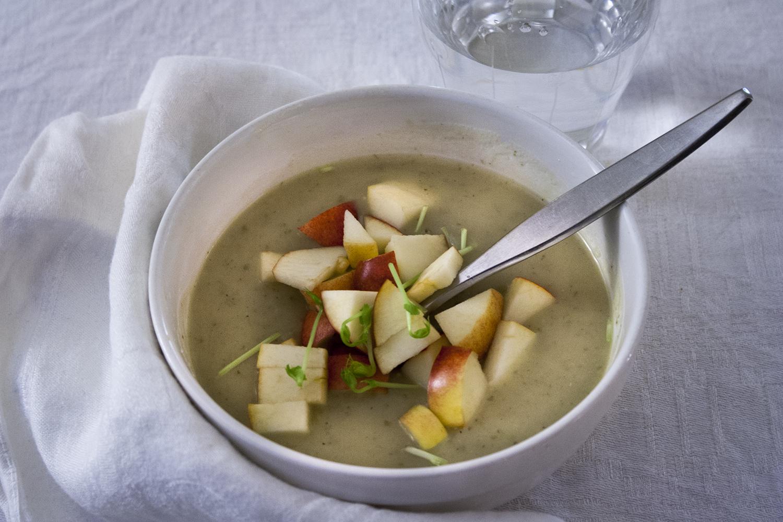Potatis- och jordärtskockssoppa (vegansk)