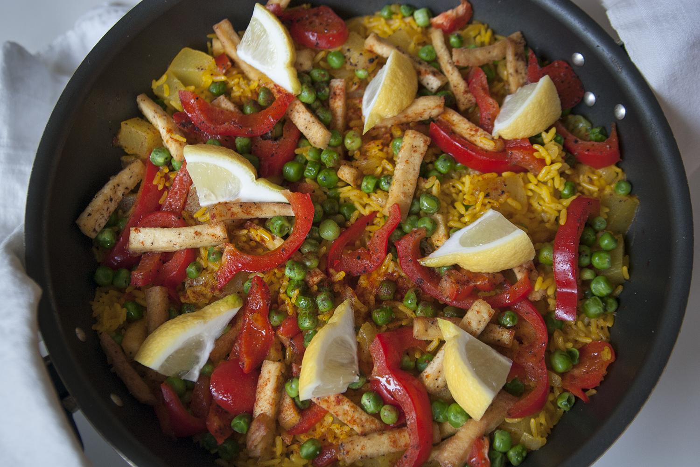 Fortsätt festen i januari – recept på vegansk paella