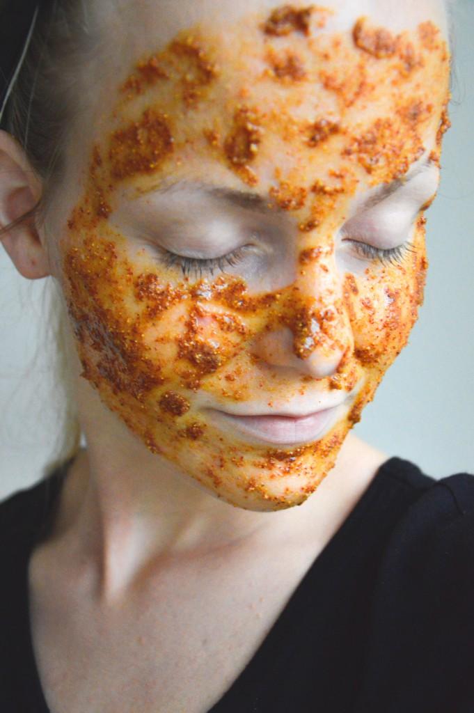 Ansiktsmask med nypon