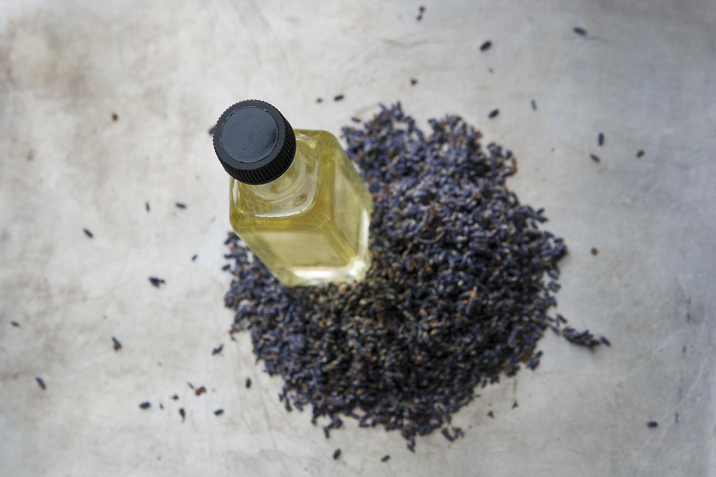 Örtolja – gör din egen hudvård