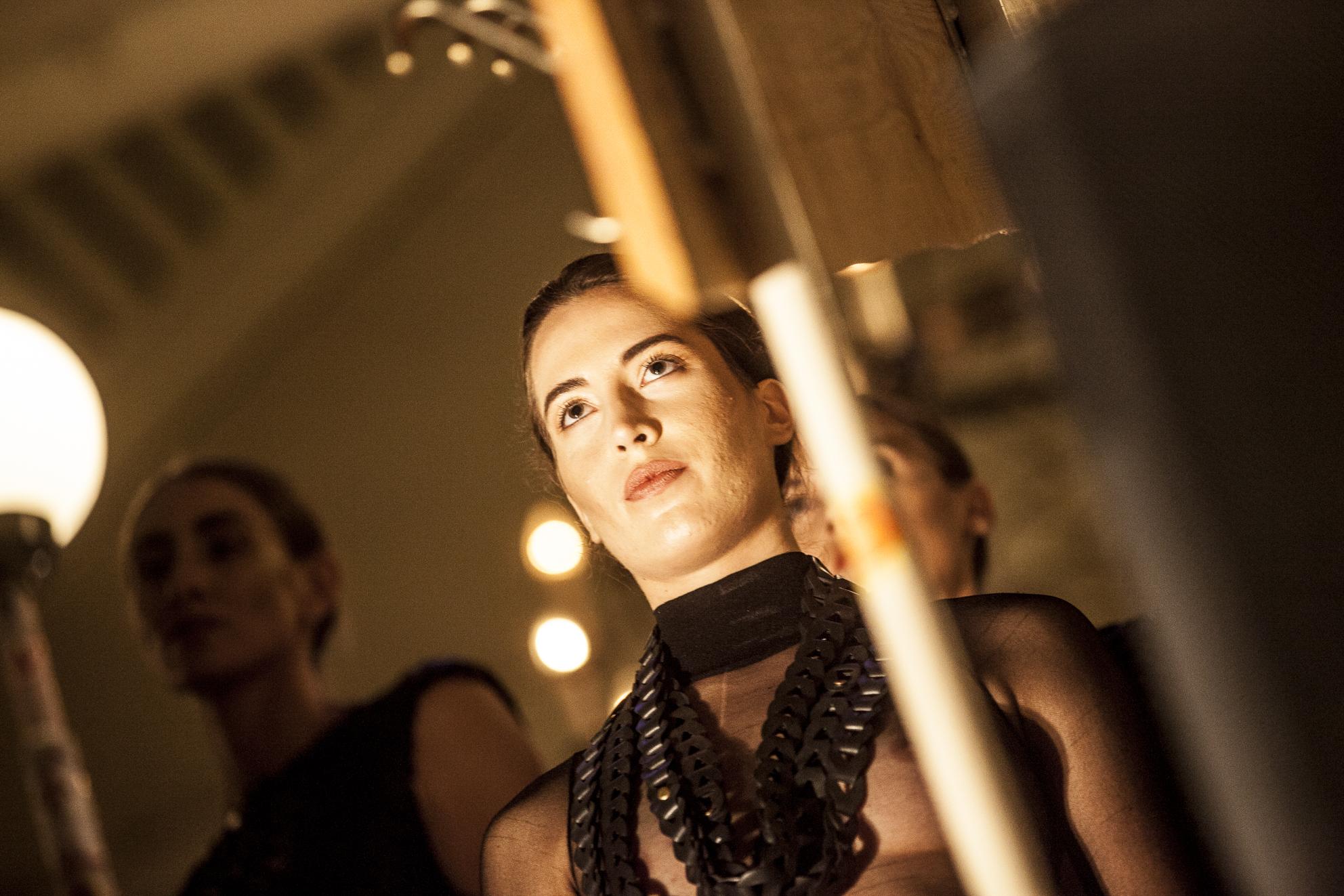 Modell: Emelie Savolahti Design: by Frida EM Fotograf: Jesper Dickell