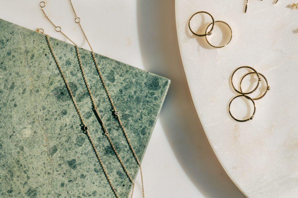 Nystartade Akind lanserar hållbart tillverkade diamantsmycken